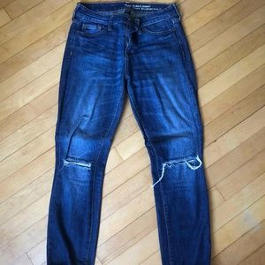 Cutout knee straight leg jeans